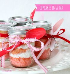 {VALENTINE} CAKE IN A JAR